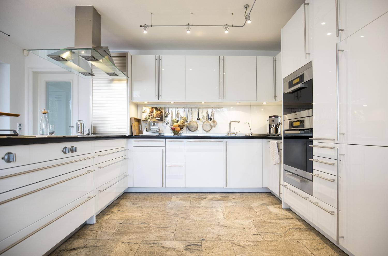 verkauft diese luxusvilla in der n he zu d sseldorf wird. Black Bedroom Furniture Sets. Home Design Ideas